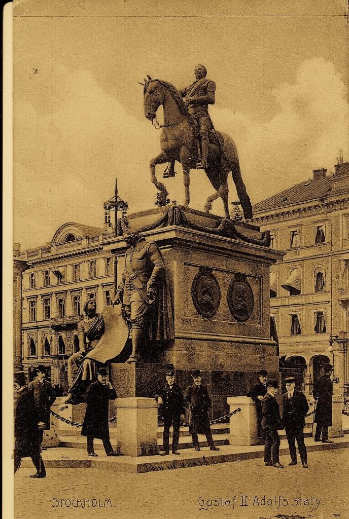 Vykort tidigast 1906. Axel Oxenstierna och historiens musa Clio på plats. OM s. 128